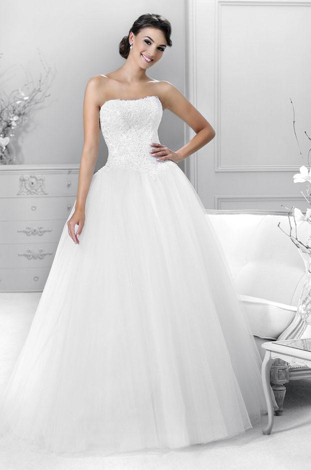 """Brautkleid von Mode de Pol, Model """"KA 14320"""" bei Traumkleid – Exklusive Brautmode Düssedorf"""